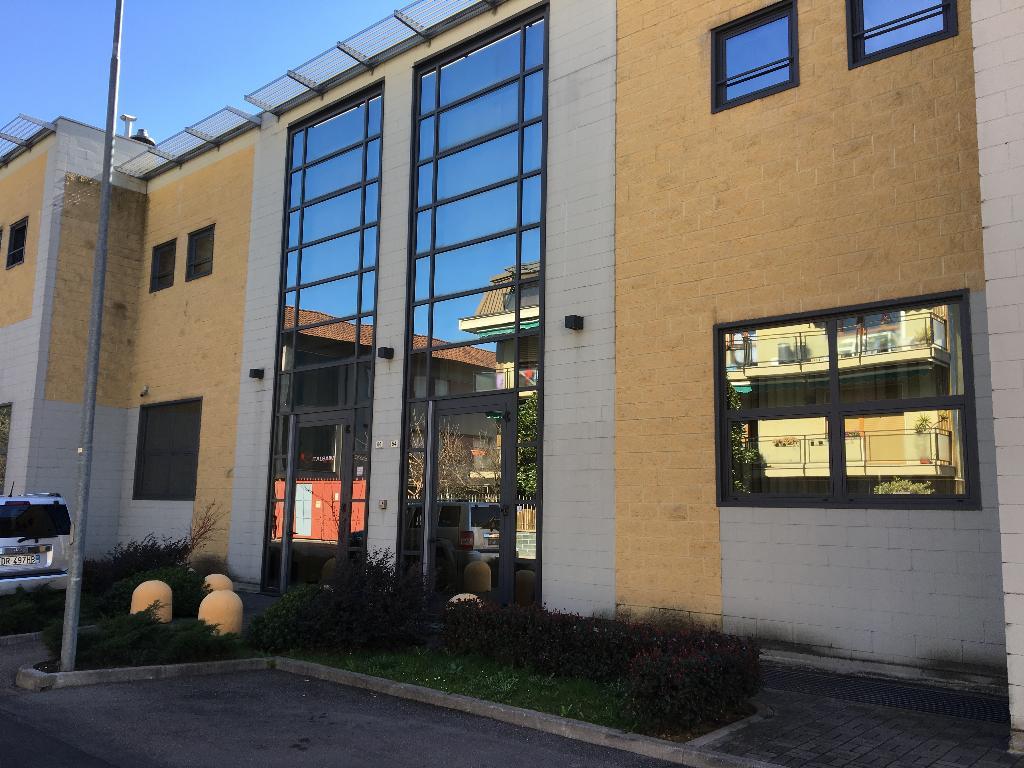 Capannone in vendita a Bresso, 9999 locali, prezzo € 640.000   PortaleAgenzieImmobiliari.it