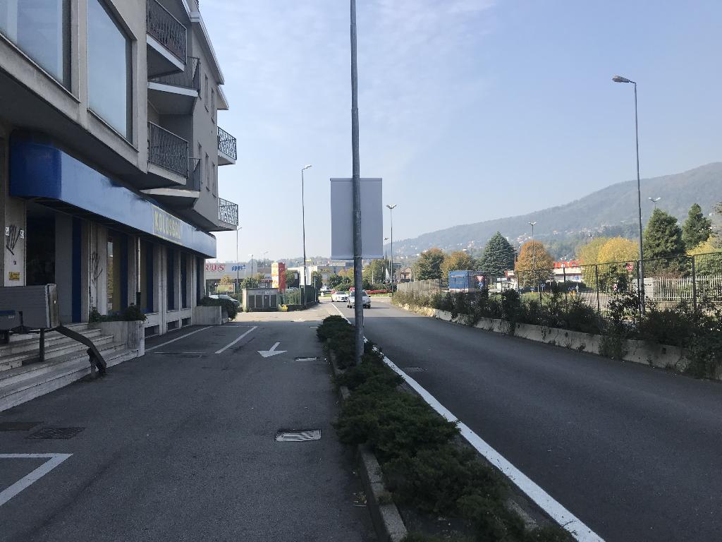 Negozio / Locale in affitto a Erba, 9999 locali, prezzo € 5.000 | PortaleAgenzieImmobiliari.it