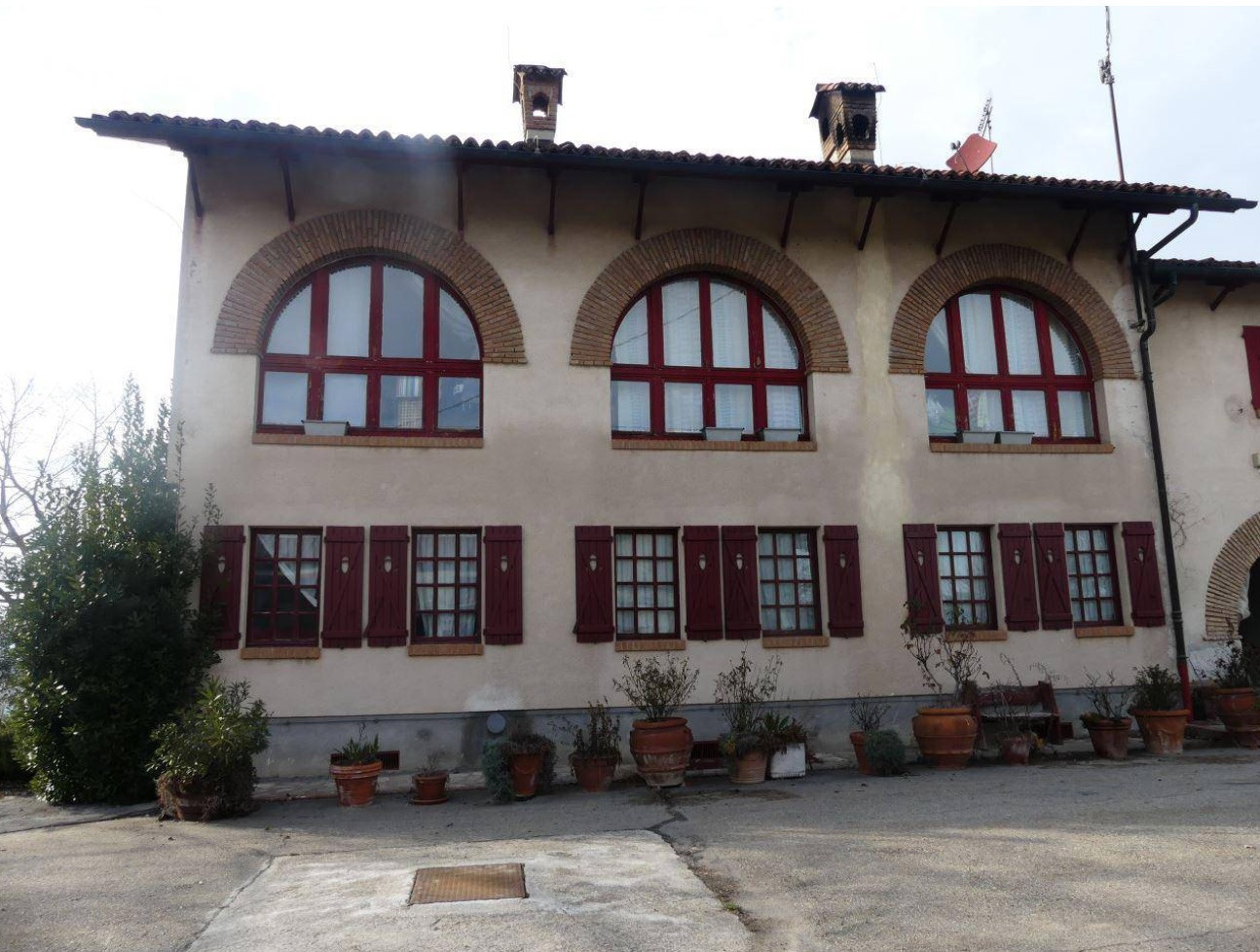 Rustico / Casale in vendita a Alba, 20 locali, Trattative riservate | PortaleAgenzieImmobiliari.it
