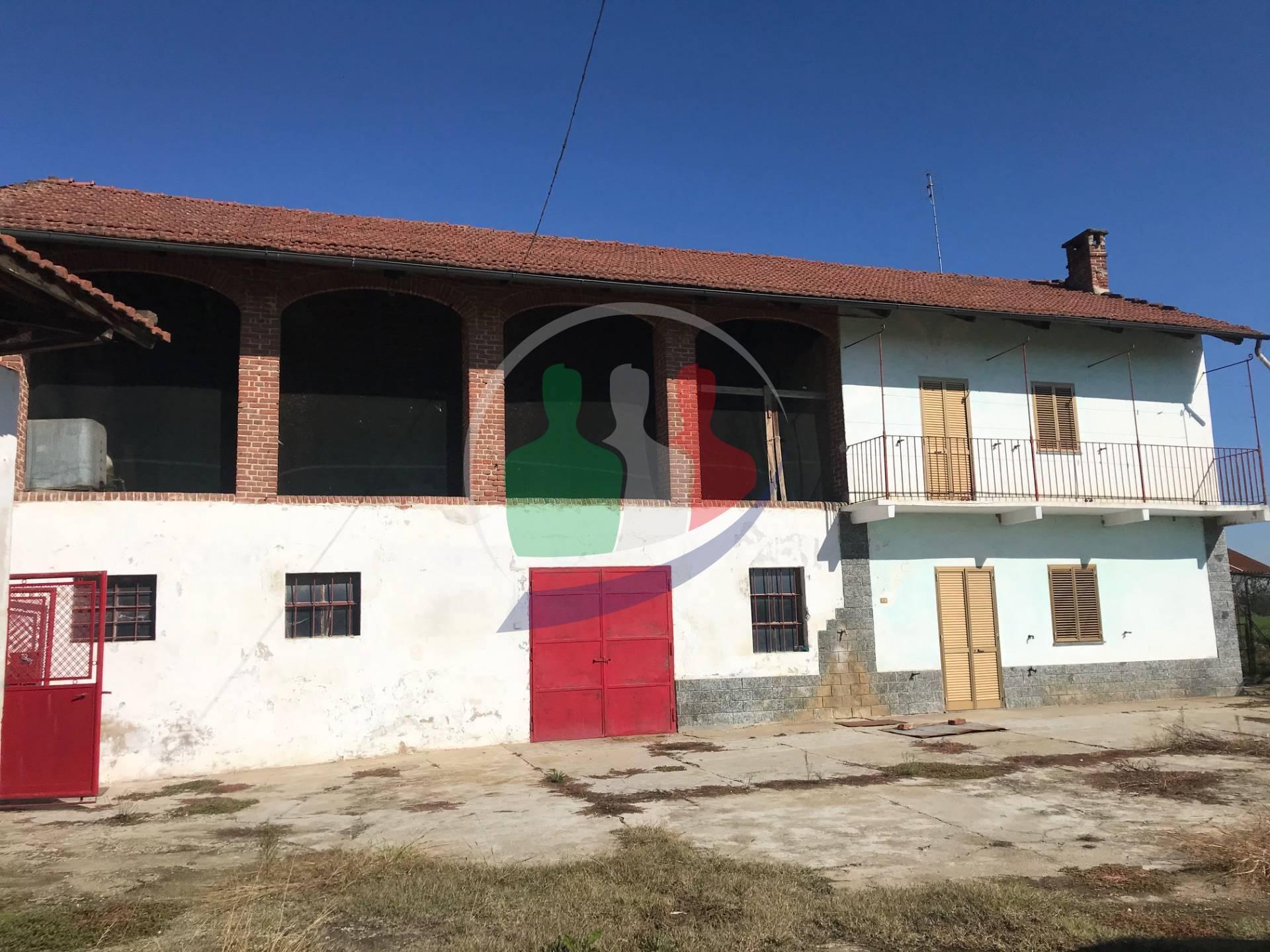 Soluzione Indipendente in vendita a Carignano, 8 locali, zona Località: TettiBagnolo, prezzo € 135.000   PortaleAgenzieImmobiliari.it
