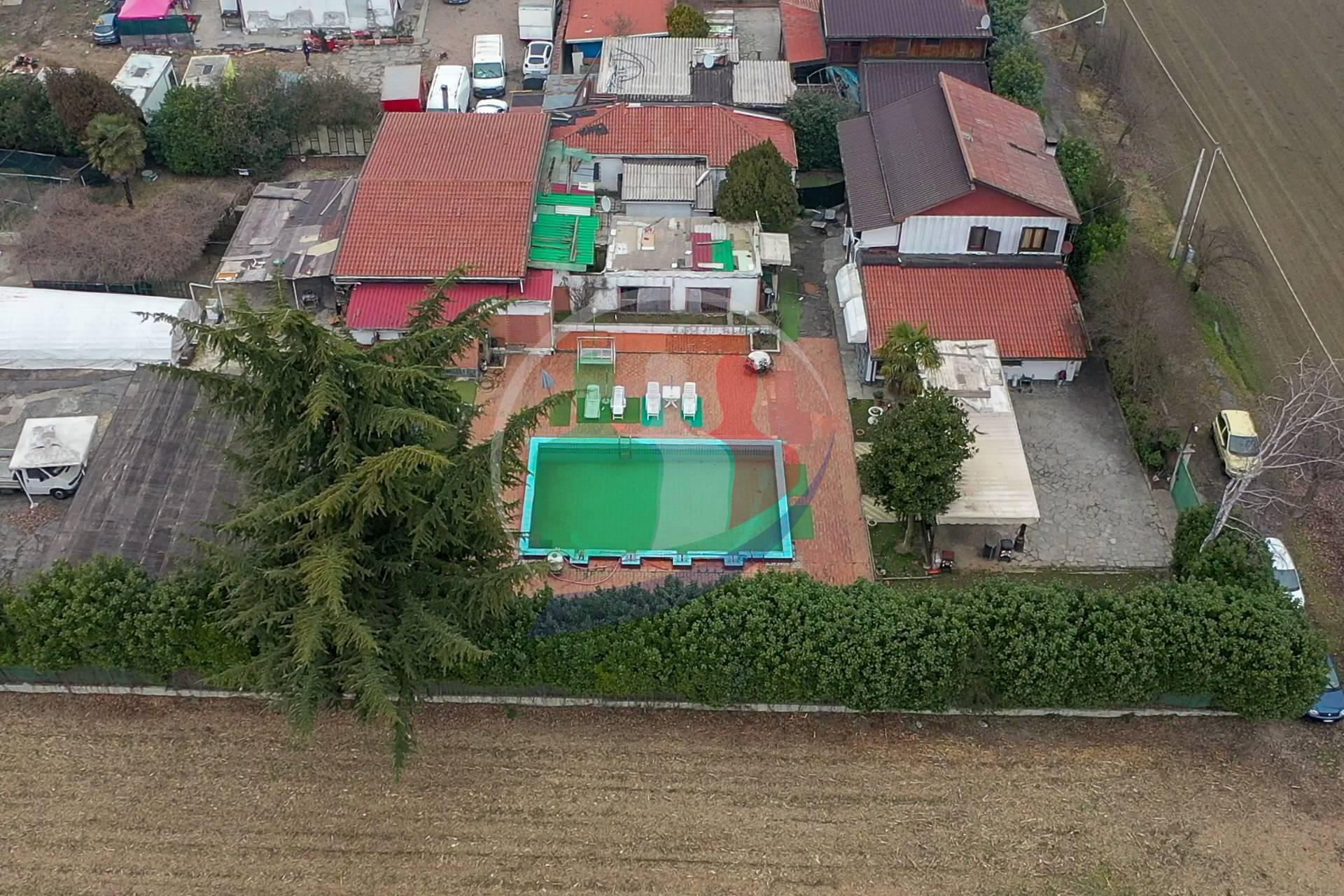 Soluzione Indipendente in vendita a Torino, 24 locali, zona Località: BarrieraDiMilanoFalcheraBarca-bertolla, prezzo € 540.000 | PortaleAgenzieImmobiliari.it