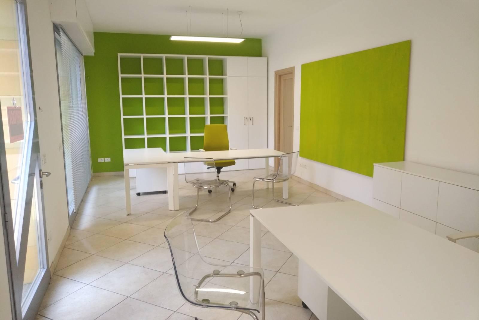 Ufficio / Studio in affitto a Ceriale, 9999 locali, prezzo € 450 | PortaleAgenzieImmobiliari.it