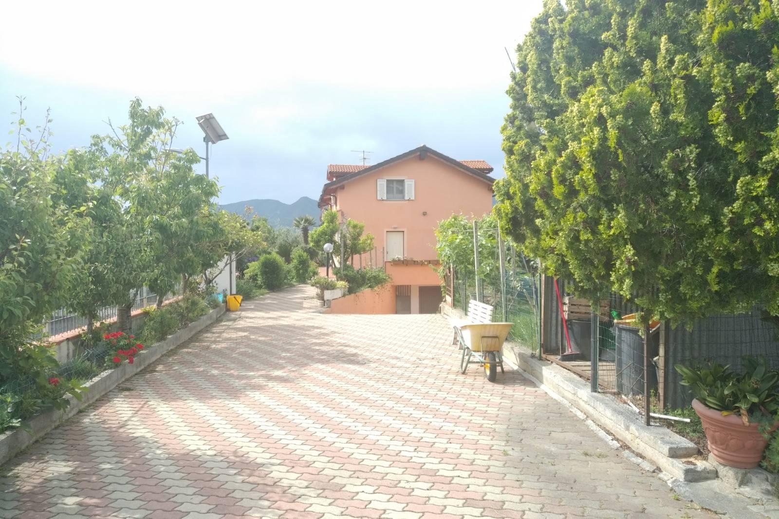 Appartamento in affitto a Cisano sul Neva, 3 locali, Trattative riservate | PortaleAgenzieImmobiliari.it