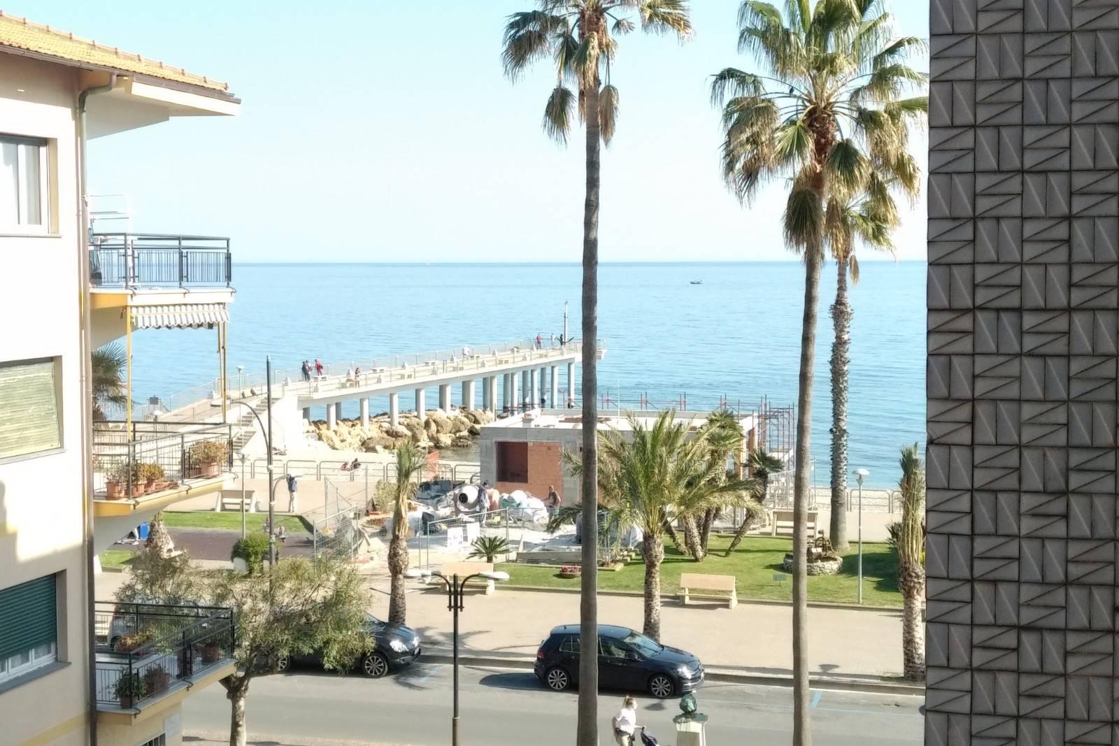 Appartamento in affitto a Pietra Ligure, 4 locali, prezzo € 800 | PortaleAgenzieImmobiliari.it
