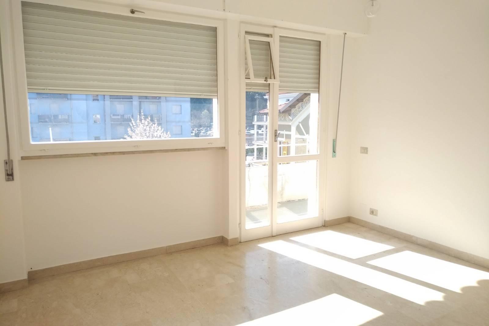 Appartamento in affitto a Pietra Ligure, 4 locali, prezzo € 700   PortaleAgenzieImmobiliari.it