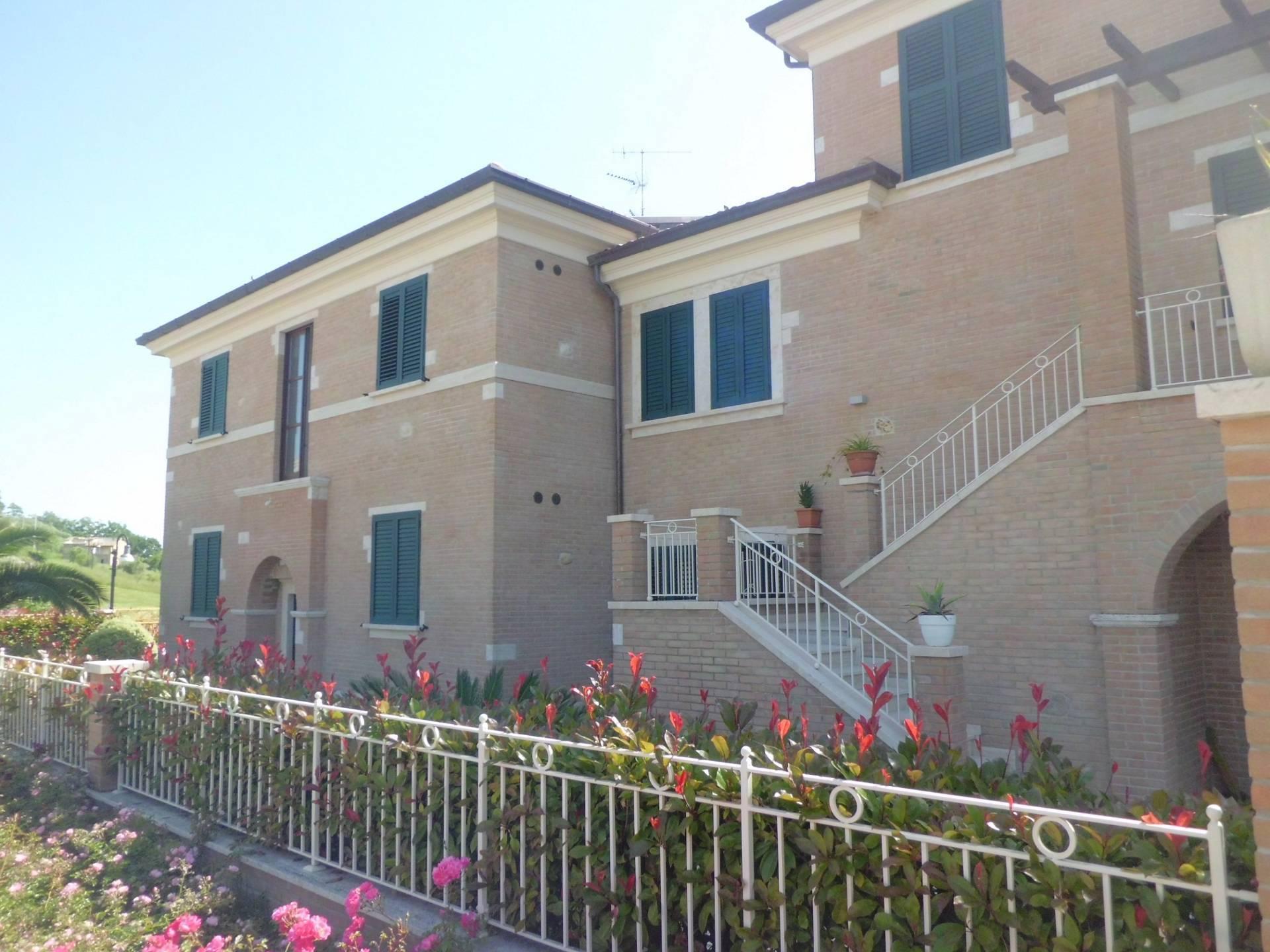 Appartamento in vendita a Tortoreto, 3 locali, zona Località: TortoretoAlta, prezzo € 177.000 | PortaleAgenzieImmobiliari.it