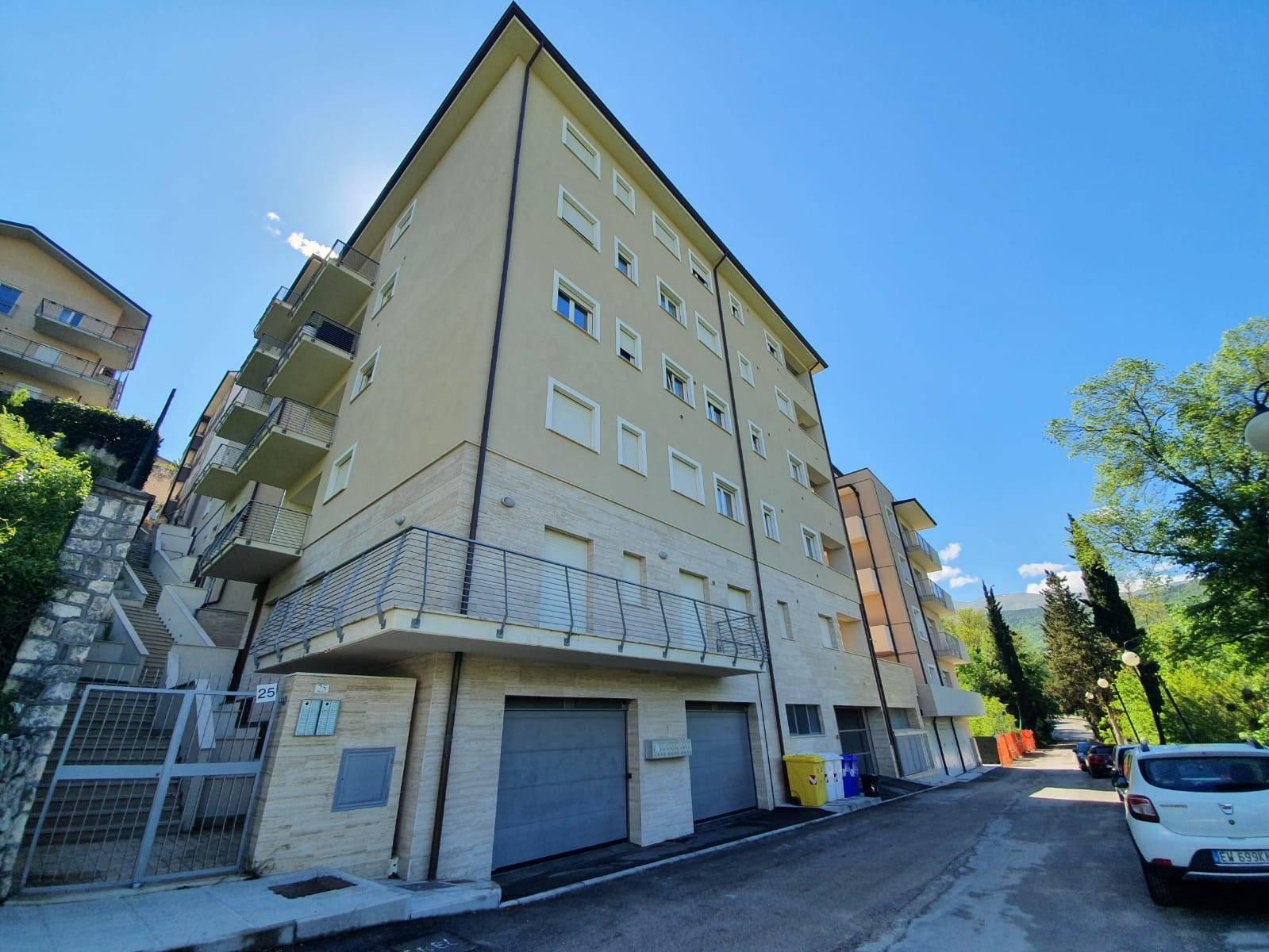 Appartamento in vendita a L'Aquila, 3 locali, zona Località: VillaComunale, prezzo € 158.000 | PortaleAgenzieImmobiliari.it