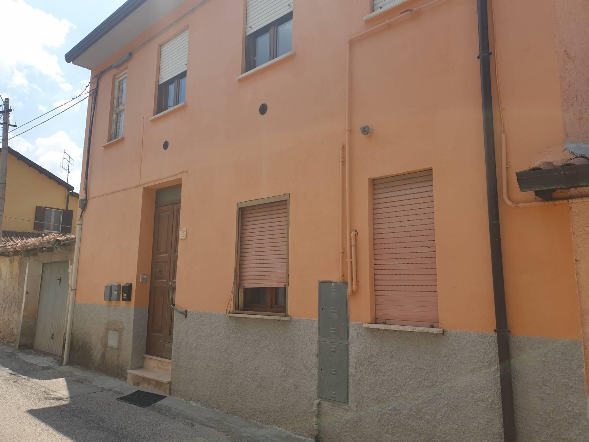 Appartamento in affitto a Pizzoli, 3 locali, zona Località: MarruciSanLorenzodiPizzoli, prezzo € 58.000 | CambioCasa.it