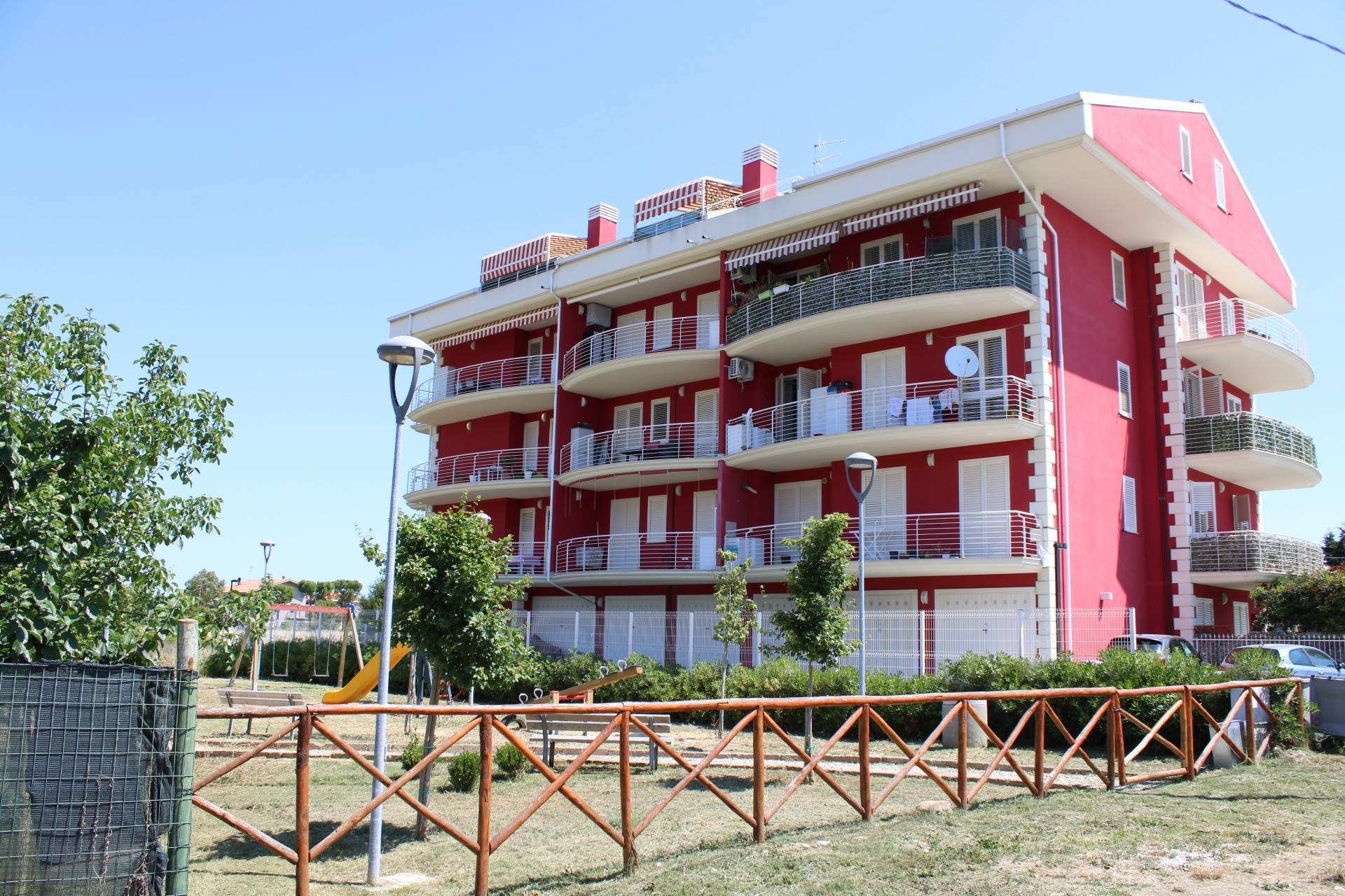Appartamento in vendita a Tortoreto, 3 locali, zona Località: TortoretoLido, prezzo € 109.000 | PortaleAgenzieImmobiliari.it
