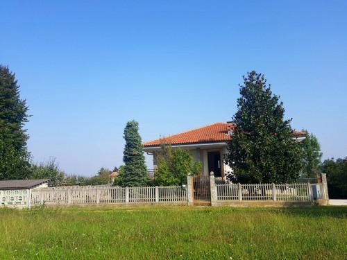 Villa in Vendita a Cellarengo