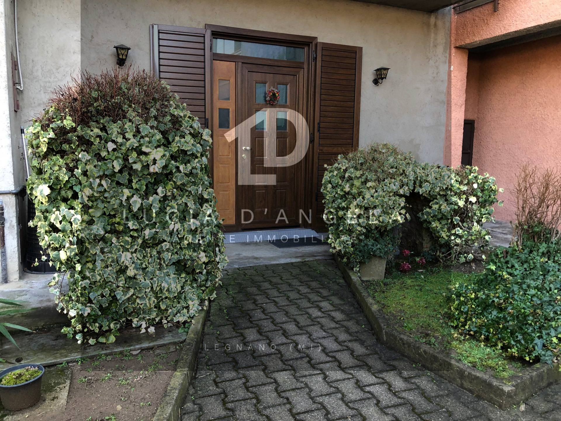 Appartamento in vendita a Cerro Maggiore, 4 locali, zona Zona: Cantalupo, prezzo € 115.000 | CambioCasa.it