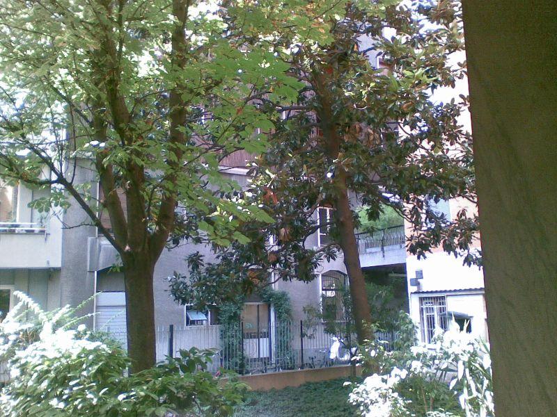 Diviso in ambienti/Locali in vendita a Milano in Via Gian Giacomo Mora