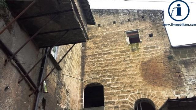 Soluzione Indipendente in vendita a Sant'Agata De' Goti, 10 locali, prezzo € 398.000 | CambioCasa.it