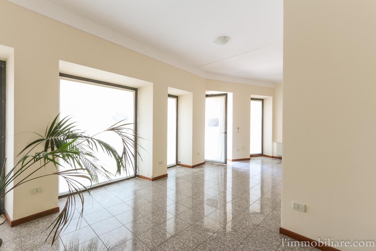 Negozio / Locale in vendita a San Pietro in Cariano, 9999 locali, zona Zona: Pedemonte, prezzo € 115.000 | CambioCasa.it