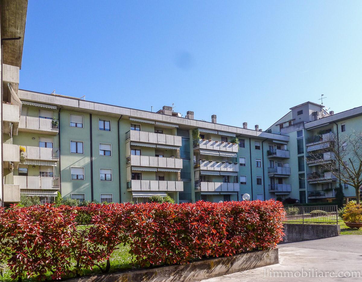 Appartamento in affitto a Verona, 7 locali, zona Località: PonteCrencano, prezzo € 1.250   PortaleAgenzieImmobiliari.it