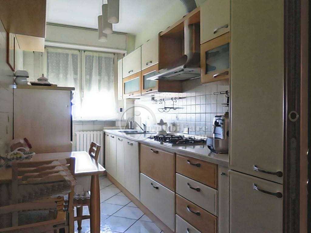 Bollate | Appartamento in Vendita in via C. Battisti | lacasadimilano.it