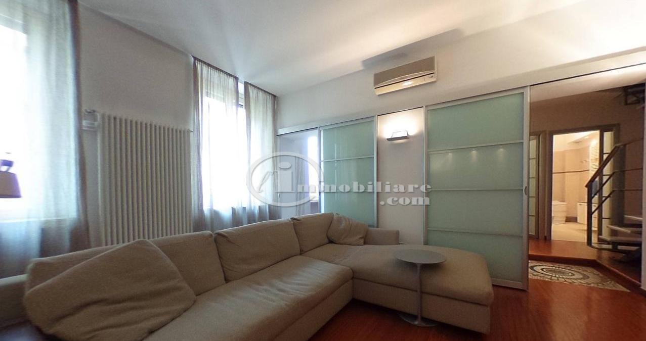 Milano | Appartamento in Vendita in Corso Como | lacasadimilano.it