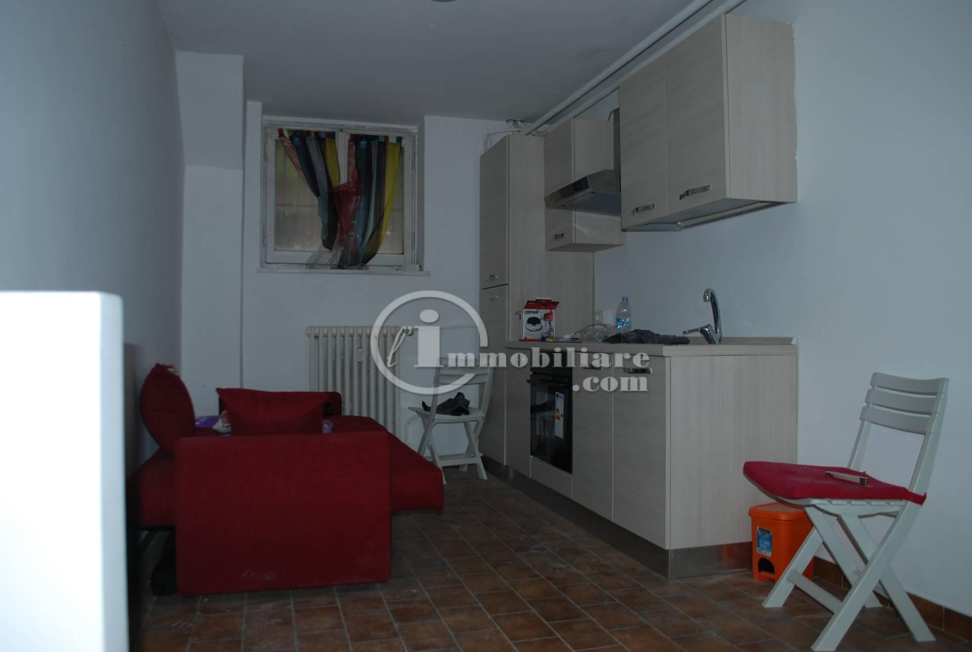 Corsico | Appartamento in Vendita in via Pascoli | lacasadimilano.it