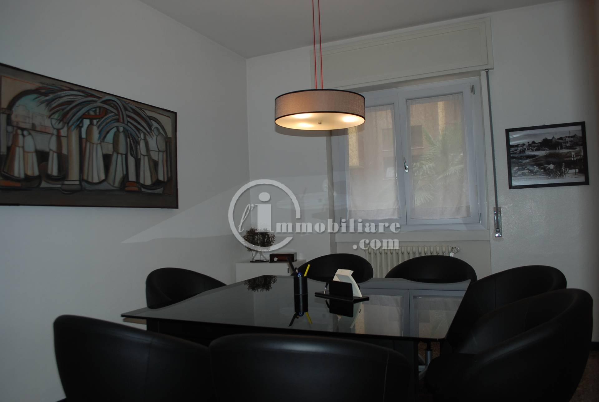 Appartamento in vendita a Corsico in Via Capannina