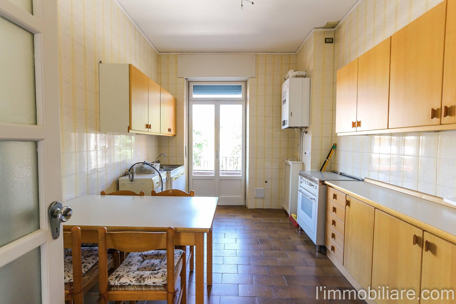 Appartamento in affitto a Verona, 4 locali, zona Quinzano - Pindemonte - Ponte Crencano - Valdonega - Avesa, prezzo € 650 | PortaleAgenzieImmobiliari.it