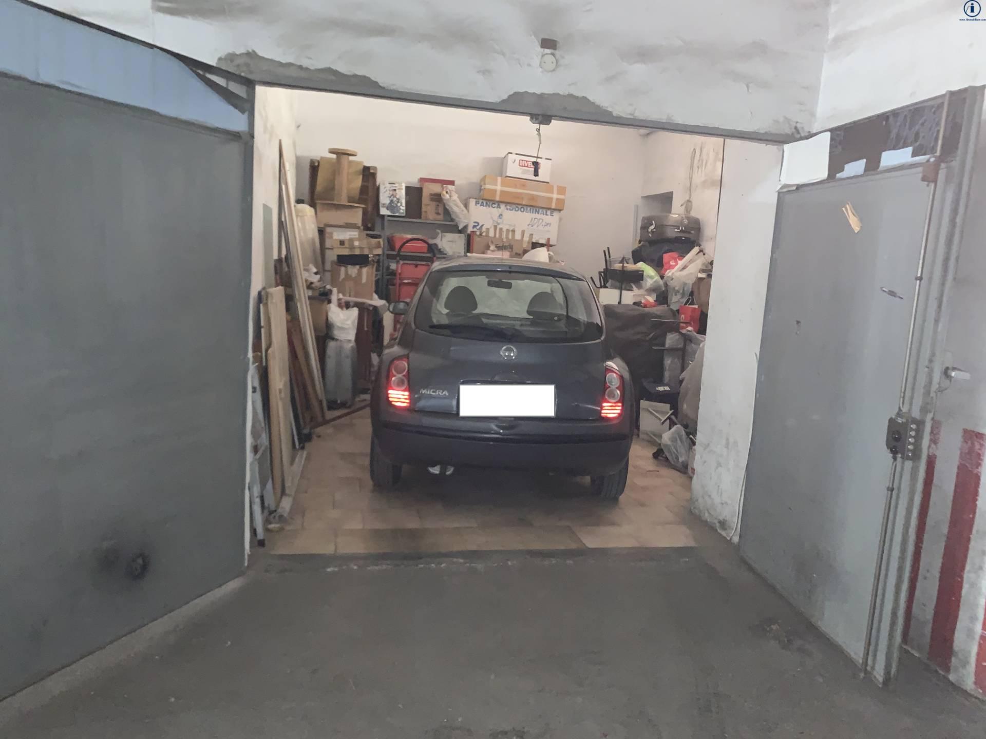 Box / Garage in vendita a Caserta, 1 locali, zona Località: CasertaFerrarecce, prezzo € 18.000 | CambioCasa.it