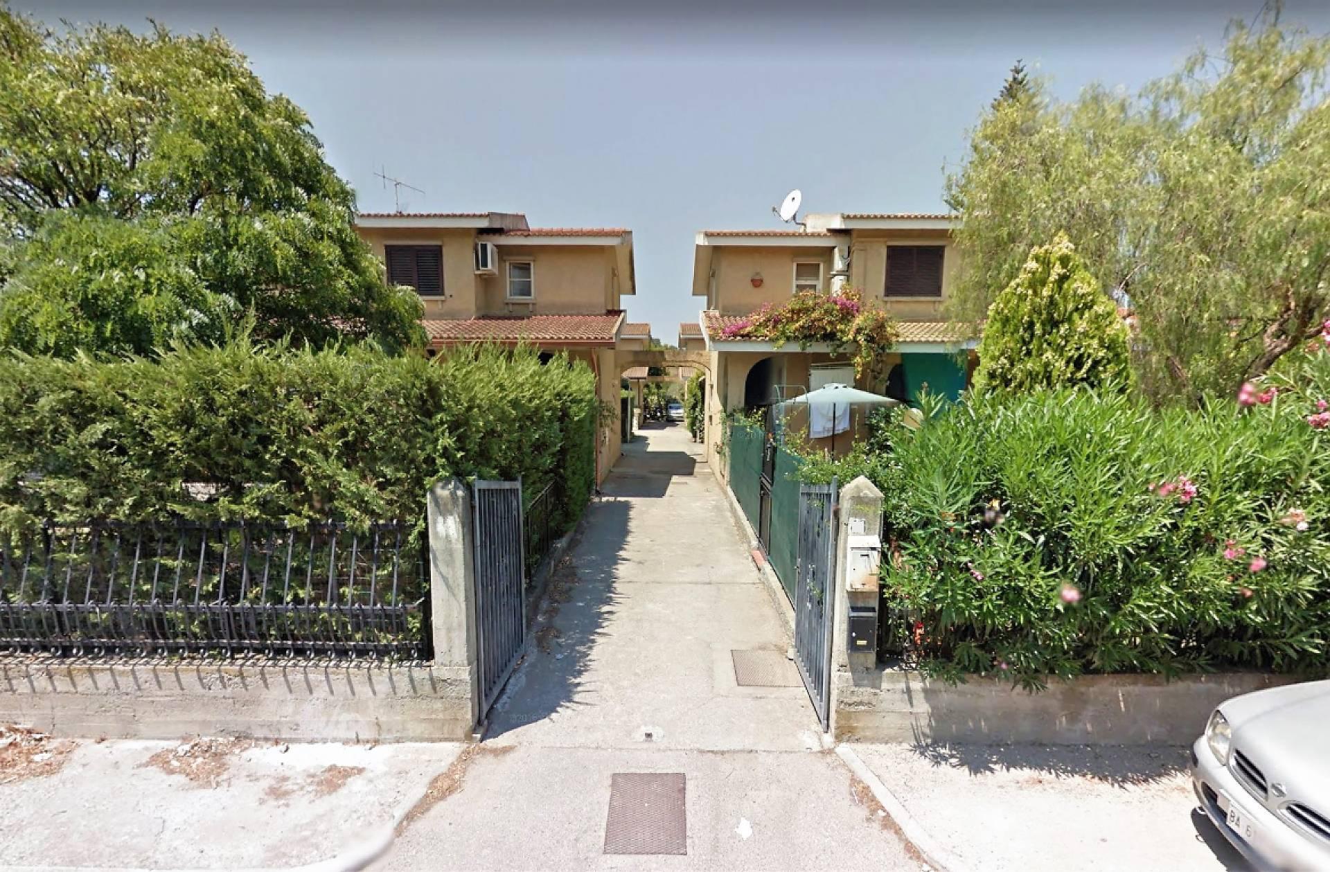 Villa a Schiera in vendita a Borgia, 3 locali, zona Località: RoccellettadiBorgia, prezzo € 115.000   CambioCasa.it