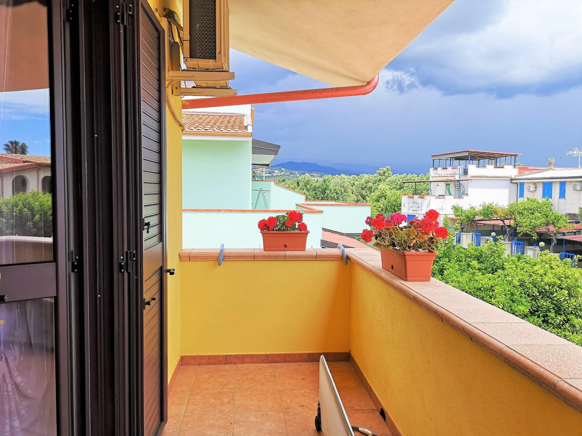 Villa Bifamiliare in vendita a Sellia Marina, 3 locali, zona Zona: Cipollina, prezzo € 75.000 | CambioCasa.it