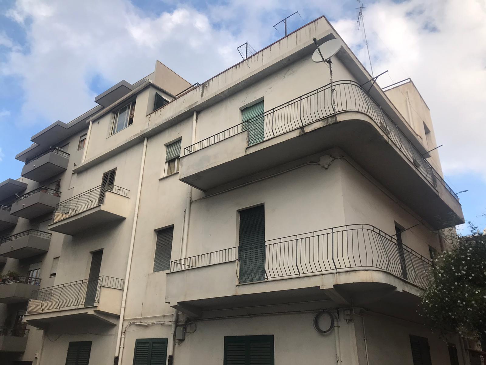APPARTAMENTO in Affitto a Viale Calabria, Reggio Di Calabria (REGGIO CALABRIA)