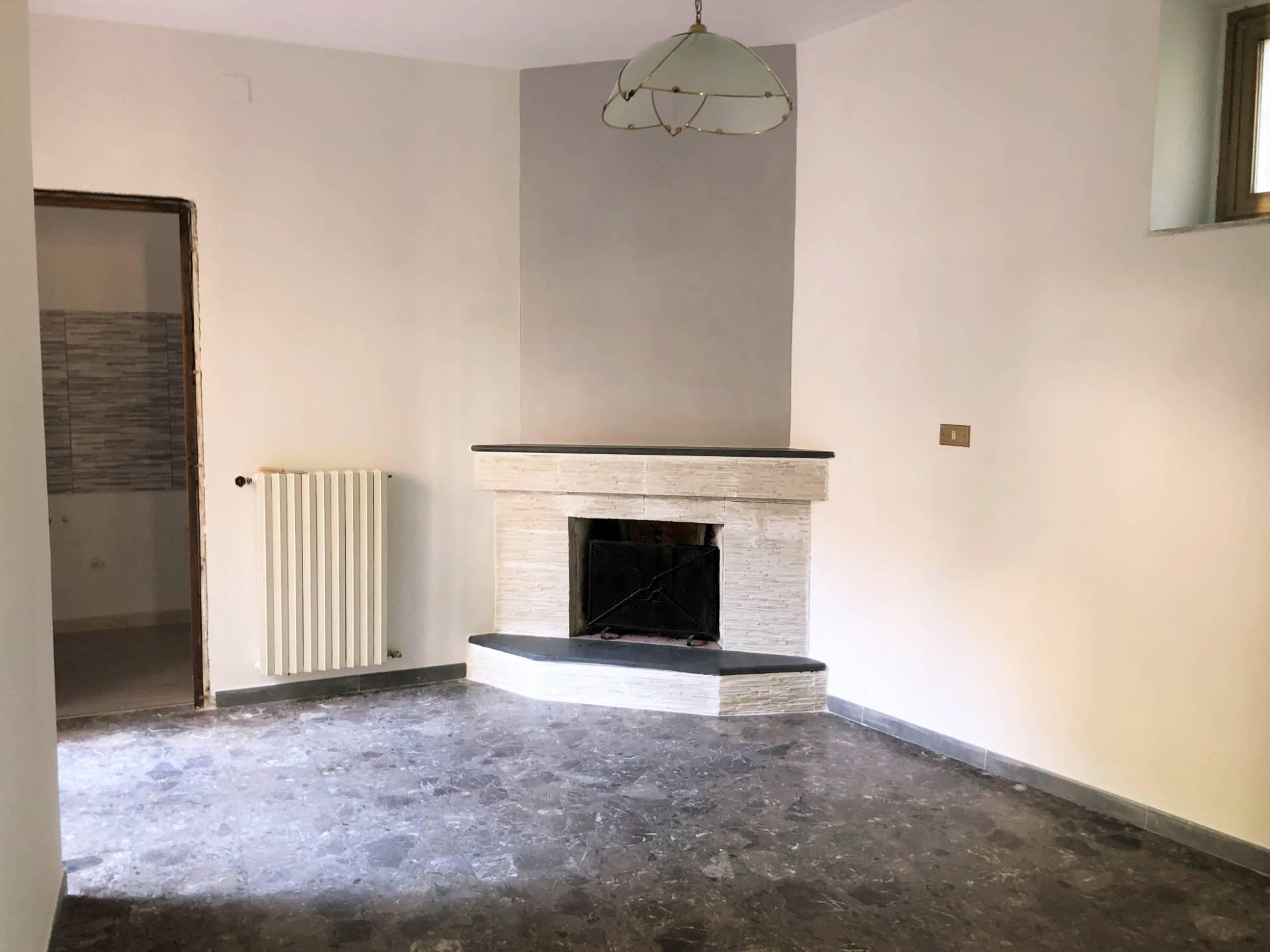 Appartamento in affitto a Catanzaro, 4 locali, zona Zona: Gagliano, prezzo € 400 | CambioCasa.it