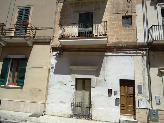 Stabile Intero - Palazzo, 60 Mq, Vendita - Lecce (LE)