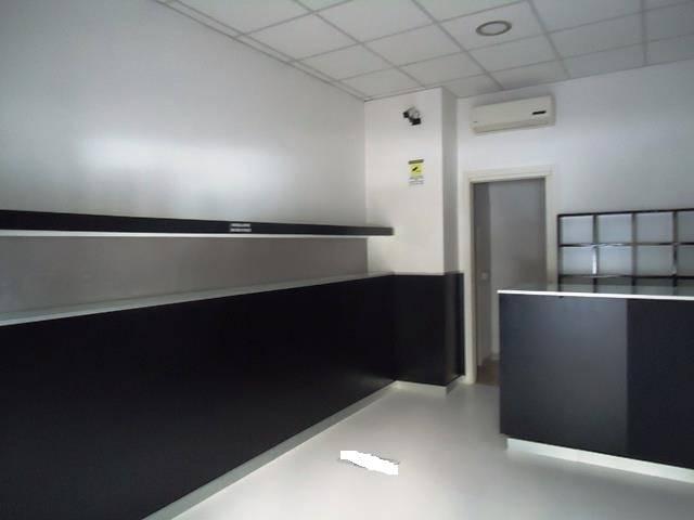Negozio, 45 Mq, Vendita - Lecce (LE)