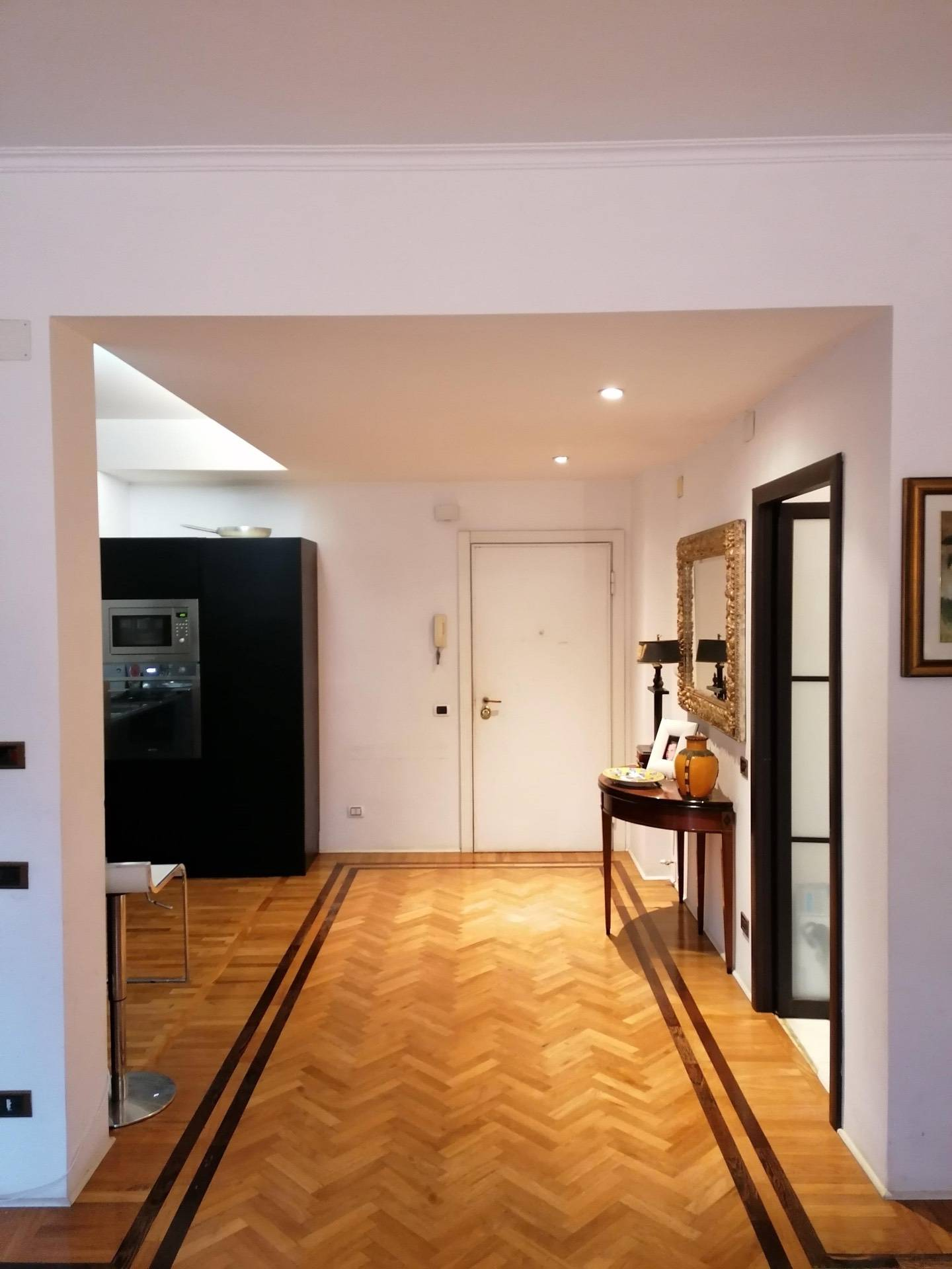 Appartamento in vendita a Roma, 4 locali, zona Zona: 22 . Eur - Torrino - Spinaceto, prezzo € 495.000   CambioCasa.it