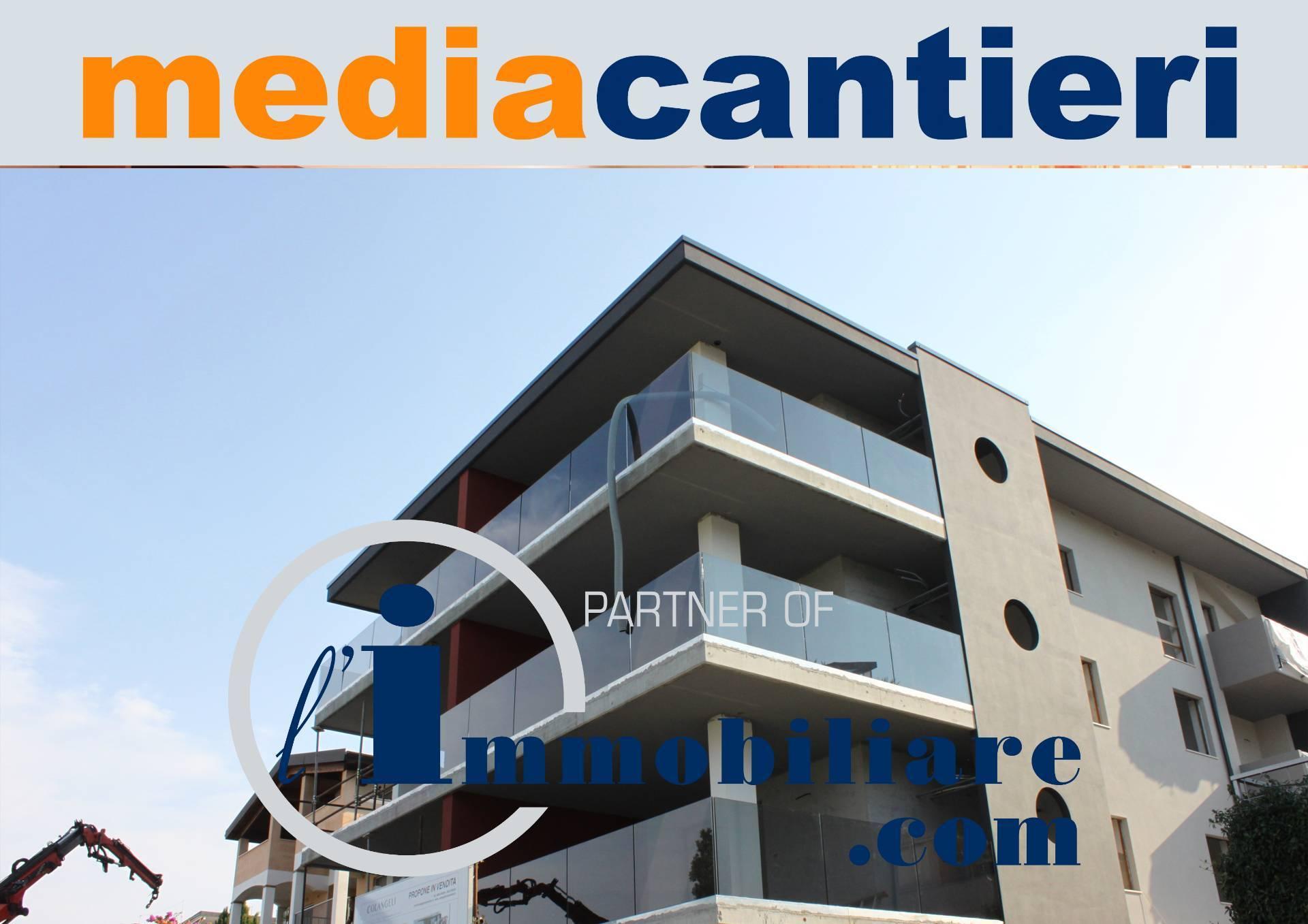 Appartamento in vendita a Montesilvano, 4 locali, prezzo € 240.000 | CambioCasa.it