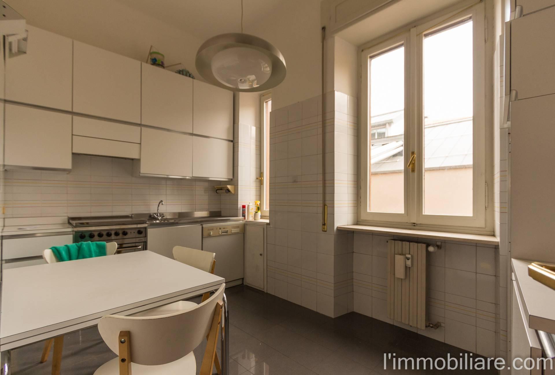 Appartamento in affitto a Verona, 6 locali, zona Località: Valverde, prezzo € 1.250 | PortaleAgenzieImmobiliari.it