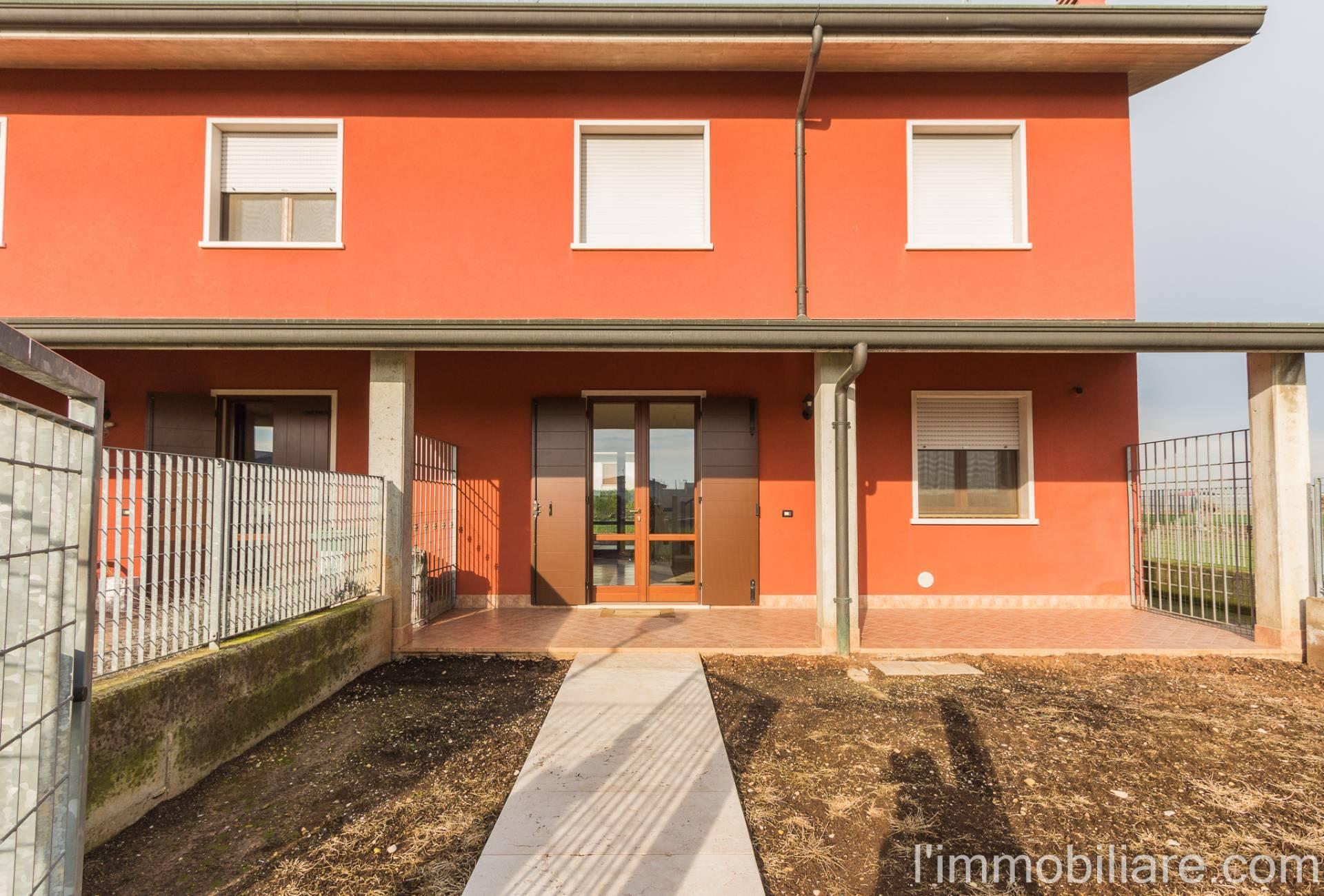 Villa a Schiera in vendita a Mozzecane, 4 locali, zona Zona: Quistello, prezzo € 149.000 | CambioCasa.it
