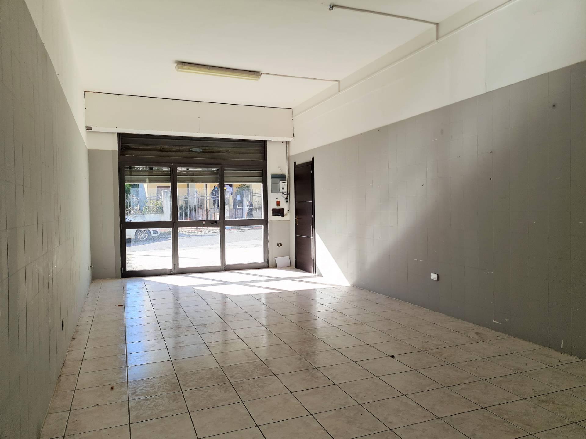 Negozio / Locale in vendita a Catanzaro, 9999 locali, zona Località: Fortuna, prezzo € 110.000 | CambioCasa.it