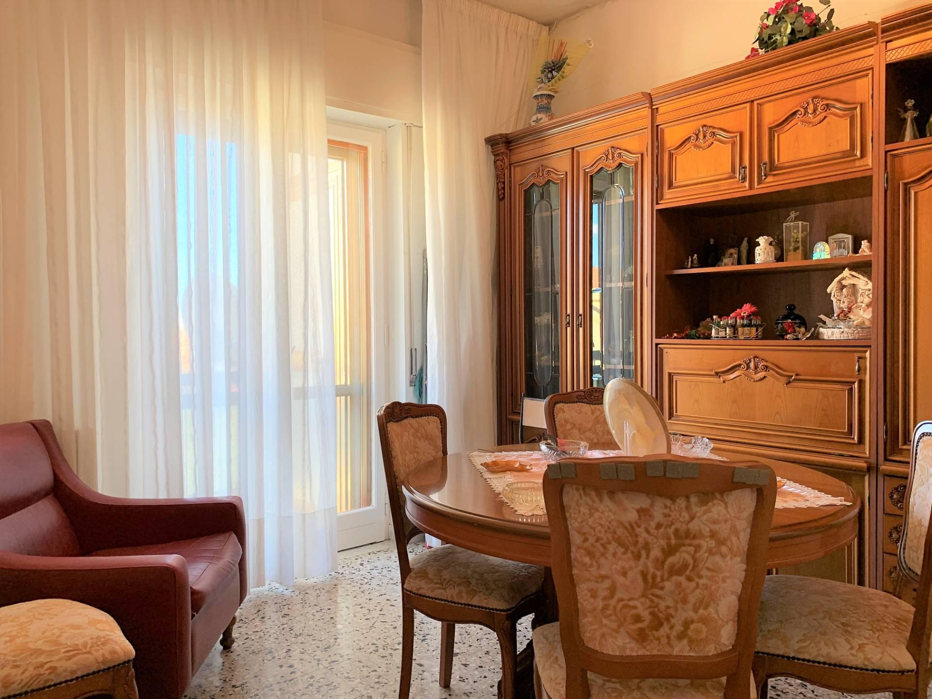 Appartamento in affitto a Catanzaro, 3 locali, zona Località: MaterDomini, prezzo € 350 | CambioCasa.it