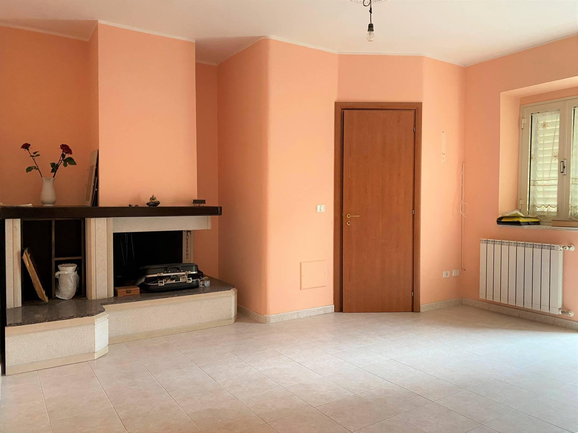 Soluzione Indipendente in vendita a Borgia, 4 locali, prezzo € 49.000 | CambioCasa.it