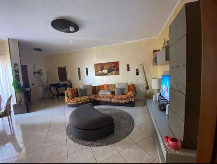 Appartamento in affitto a Marano di Napoli, 3 locali, prezzo € 550 | CambioCasa.it