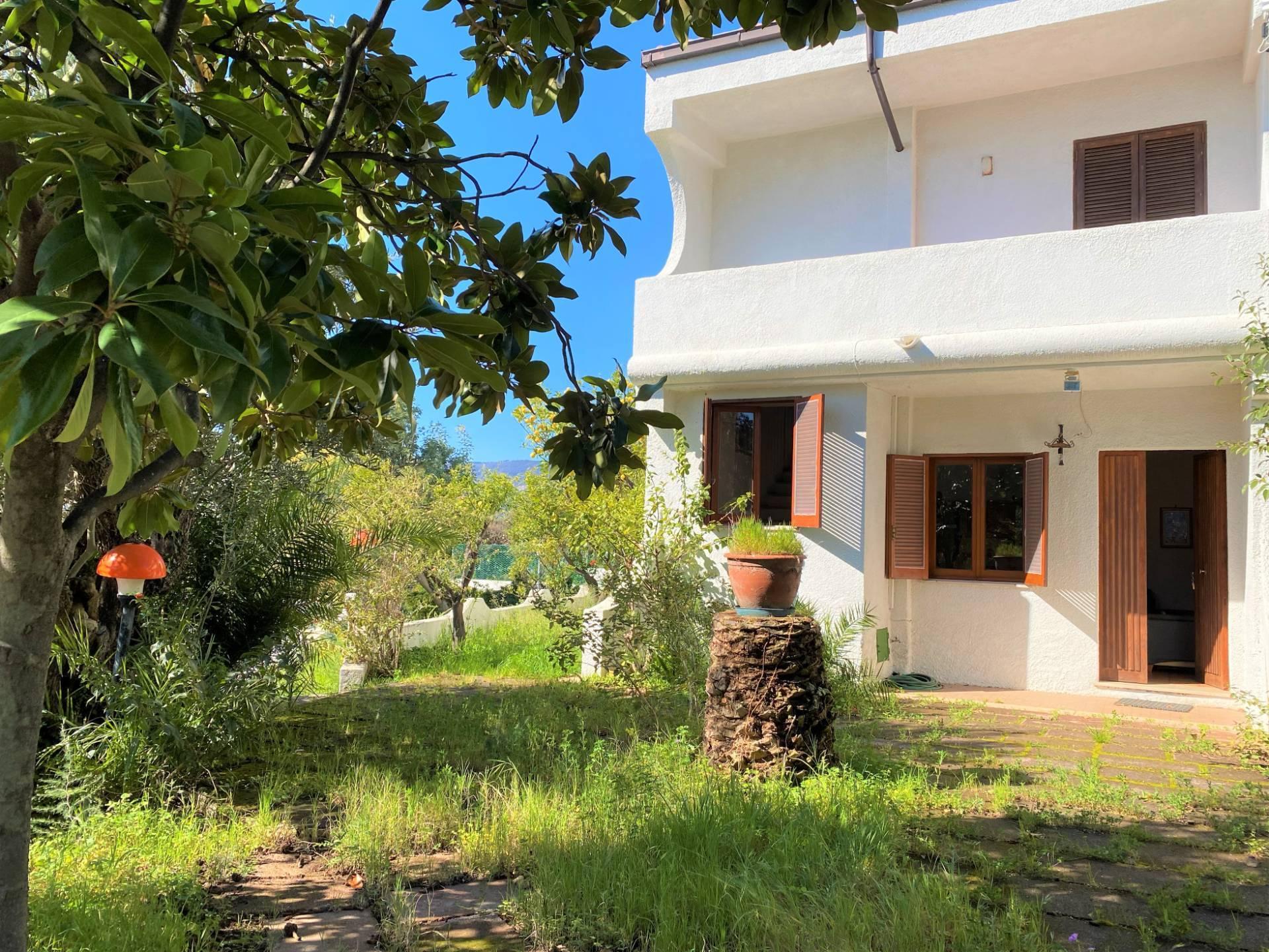Villa a Schiera in affitto a Stalettì, 3 locali, zona Zona: Caminia , prezzo € 1.000 | CambioCasa.it
