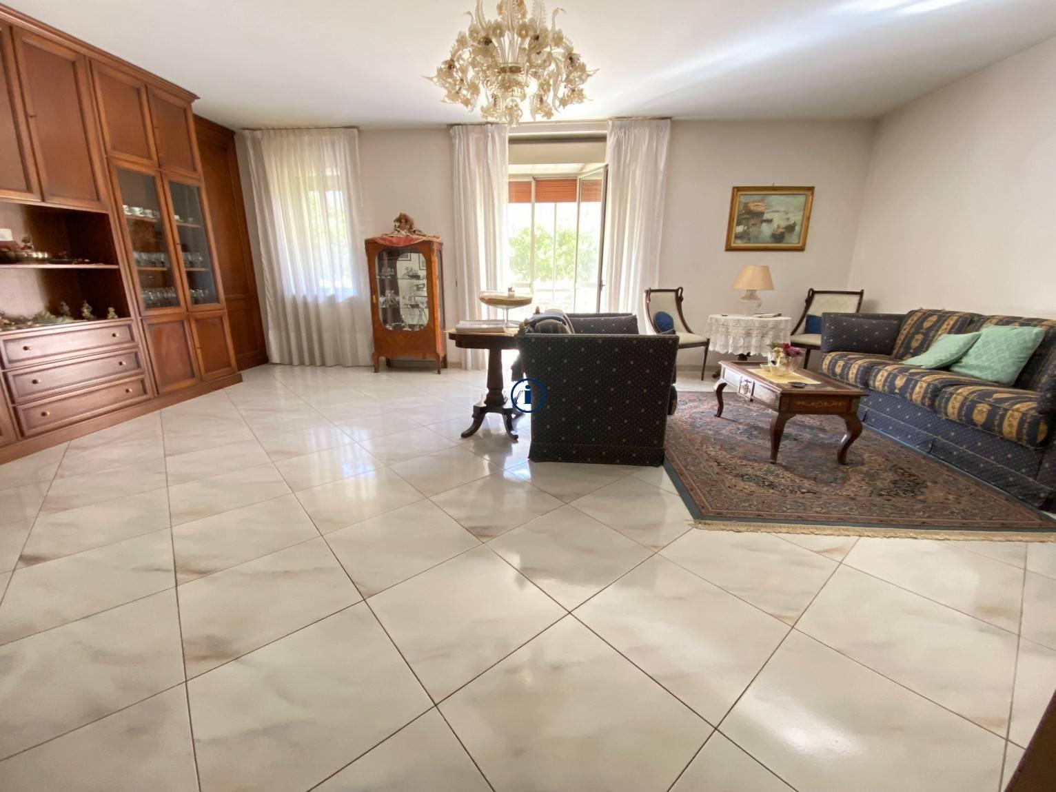 Appartamento in vendita a Caserta, 5 locali, zona o, prezzo € 295.000 | PortaleAgenzieImmobiliari.it