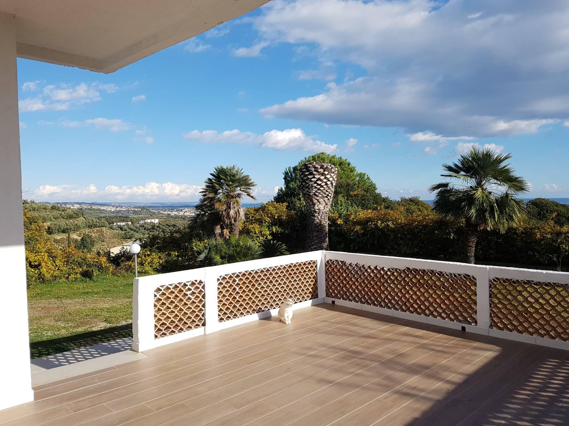 Villa in affitto a Sellia Marina, 4 locali, prezzo € 650 | CambioCasa.it