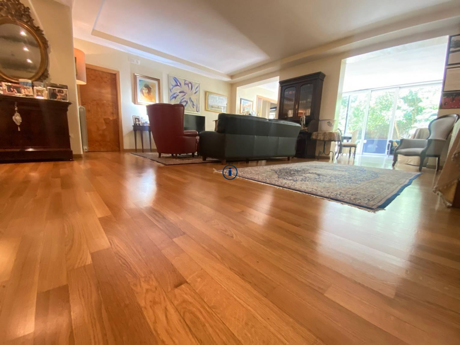 Appartamento in vendita a Caserta, 4 locali, zona le, prezzo € 590.000 | PortaleAgenzieImmobiliari.it