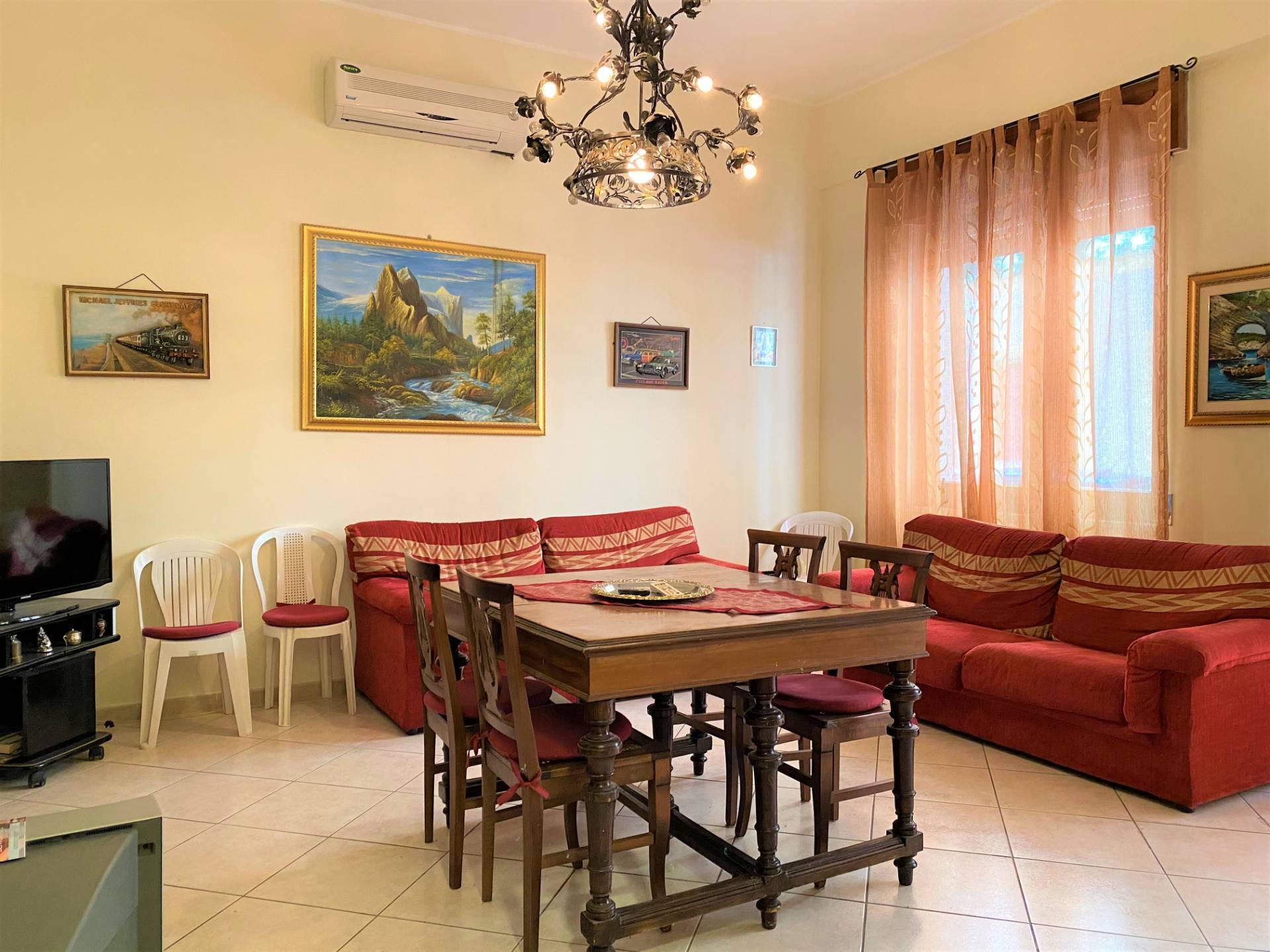 Appartamento in vendita a Soverato, 3 locali, prezzo € 165.000   CambioCasa.it