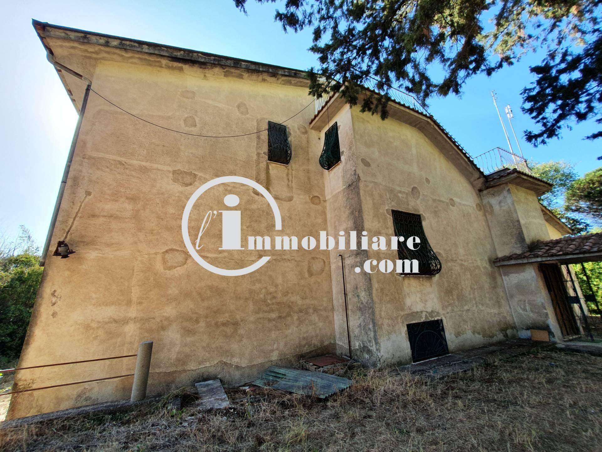 Villa in vendita a Roma, 11 locali, zona Località: Laurentino, prezzo € 290.000 | CambioCasa.it