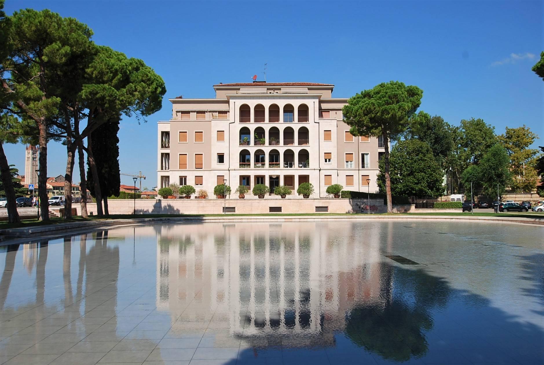 Appartamento in vendita a Verona, 8 locali, zona Località: BorgoTrento, prezzo € 900.000 | PortaleAgenzieImmobiliari.it