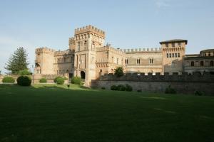 Vai alla scheda: Stabile / Palazzo Vendita - Torre de' Picenardi (CR) | San Lorenzo Picenardi - Codice -15023