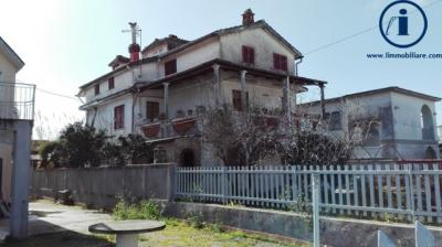 Vai alla scheda: Villa singola Vendita - Castel Volturno (CE) - Codice -217-VV3