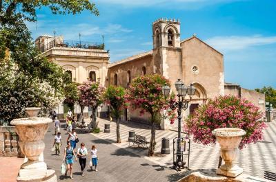 Vai alla scheda: Attività Commerciale Affitto - Taormina (ME) - Codice -202-884