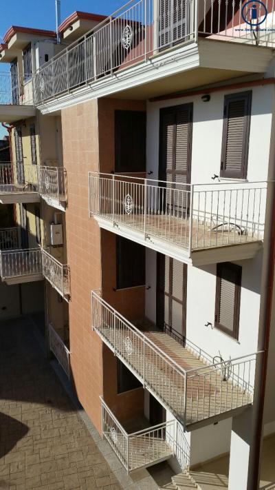 Vai alla scheda: Appartamento Vendita - San Nicola la Strada (CE) - Codice -229-3V11